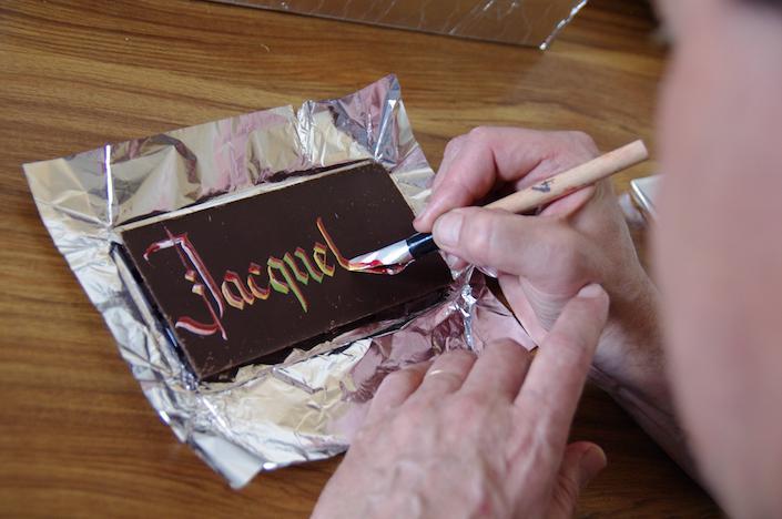 calligraphie sur chocolat